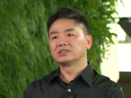 张小龙还在用同传耳机,刘强东都开始全英文受访了